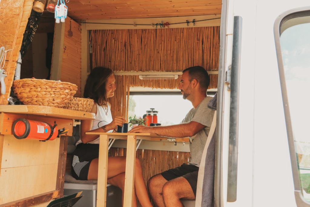 Unser Kühlschrank im Camper Van